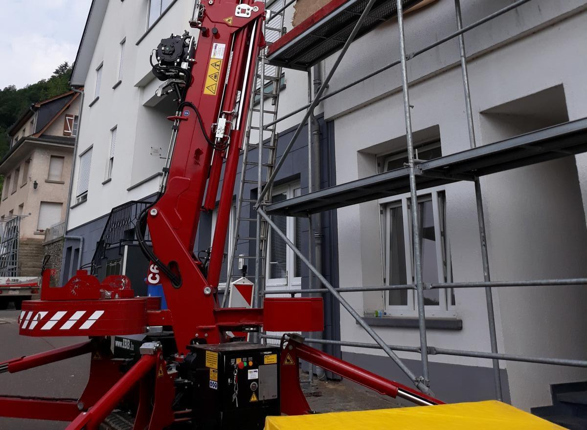 Hoeflon C6 compact crane - powerful, flexible, precise